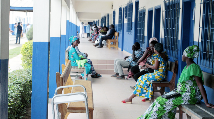 Abidjan - Clinic VIH - patients waiting for their ARVs