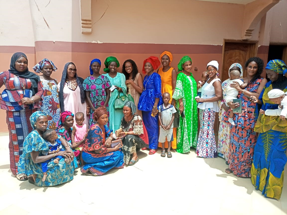 Mothers of children living with HIV and key community leaders met at a workshop organized by the Community Advisory Board in Senegal. The meeting aimed to raise awareness about the availability and benefits of pediatric DTG and increase demand for the medicine. Credit: AfroCAB